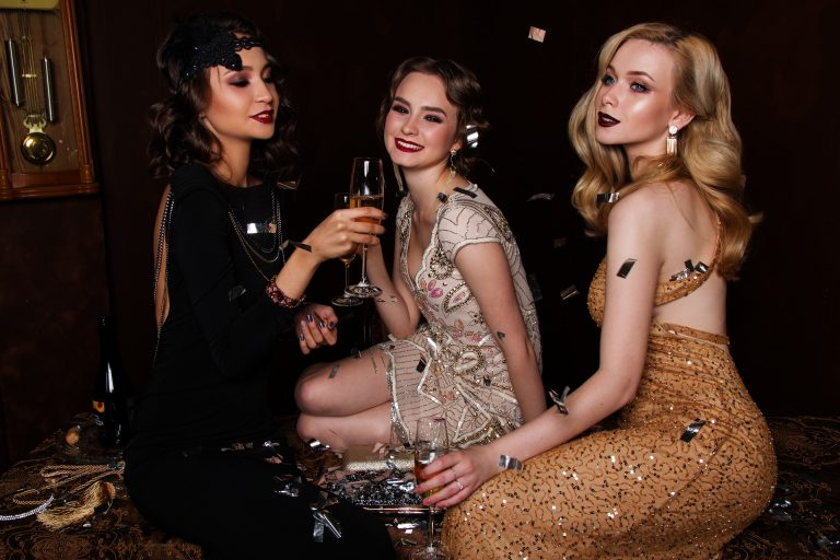 The Ultimate Guide to Planning A Ladies' Vintage-themed Party
