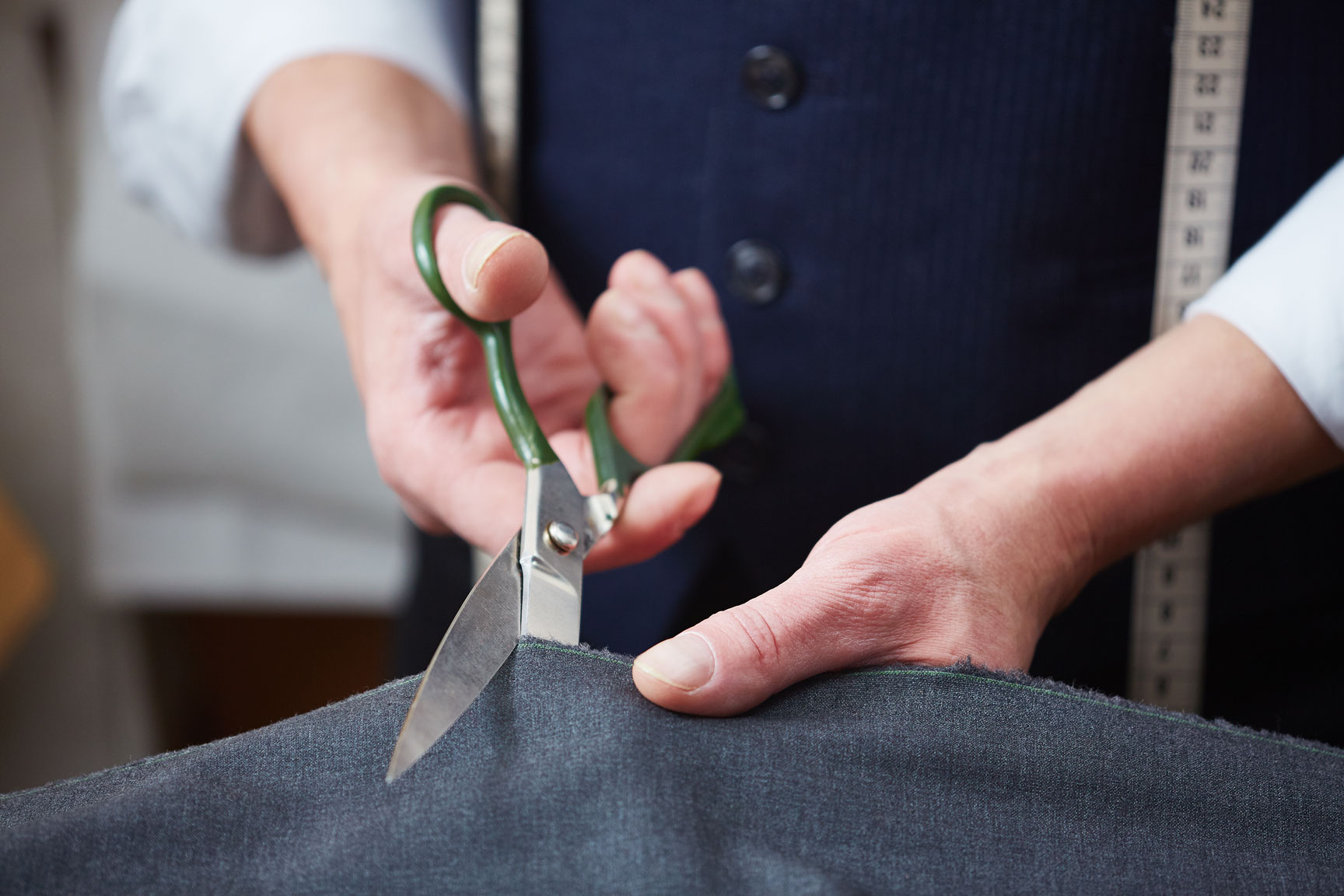 Tailor's Tips to Buying a Bespoke Suit For Your Husband