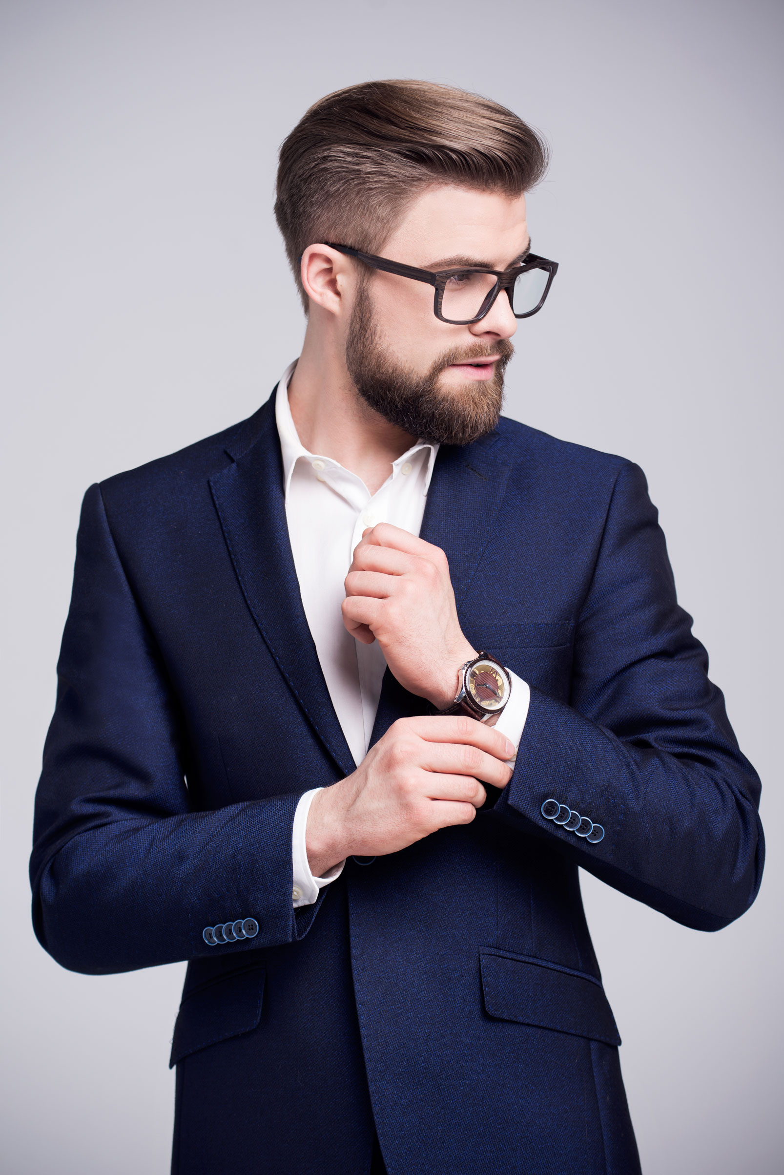Tailor's Tips to Buying a Suit For Your Husband