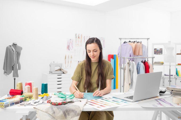 Top Advice on Choosing the Best Fashion Designing School